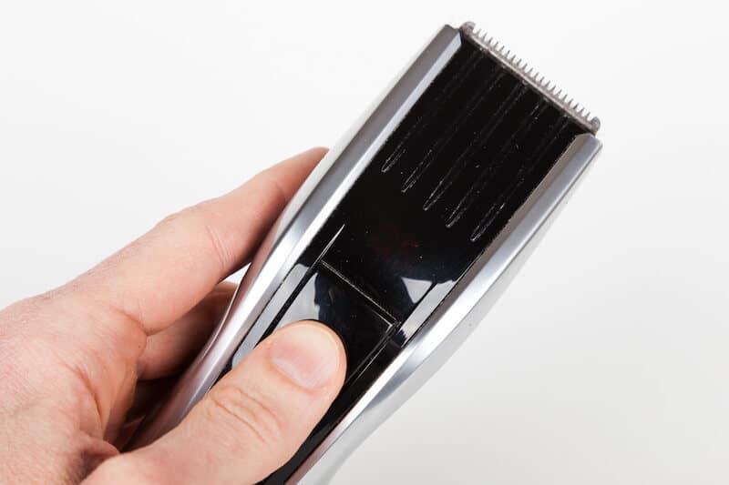 Magnet na otisky prstů vyřeší otření hadříkem.