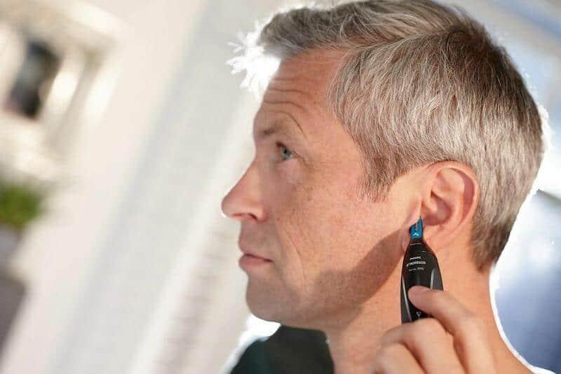 Zastřižení chloupků v uších
